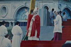 El Papa Juan Pablo II durante la Misa en Tres Cruces