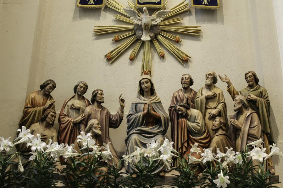 La venida del Espíritu Santo, retablo en madera en la iglesia de los dominicos de Springfield /Flickr/LawrenceOP