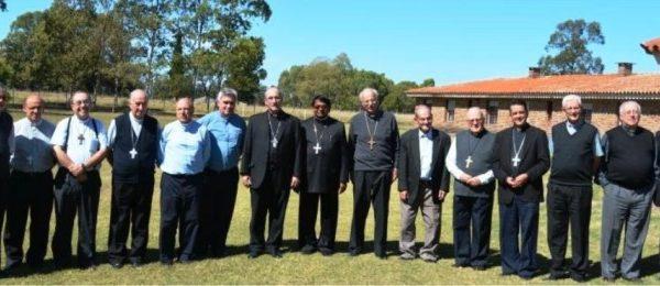 slide_obispos_plenaria2015-e1447291843936.jpg