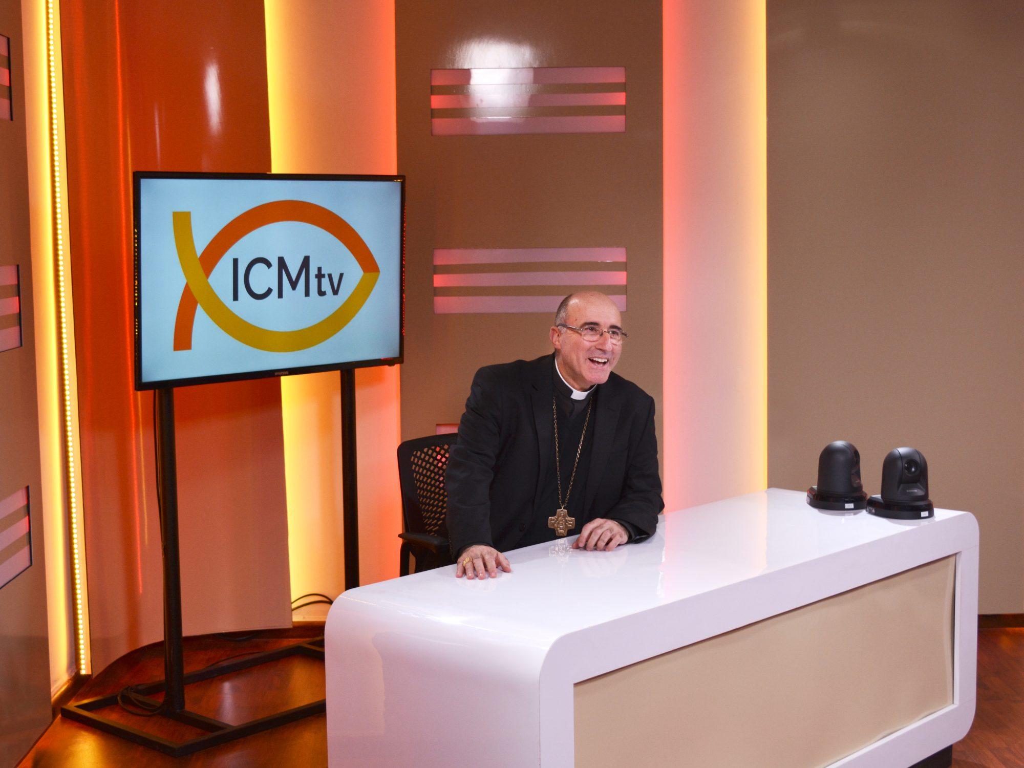 El Cardenal Daniel Sturla en el estudio de ICMtv /DECOS