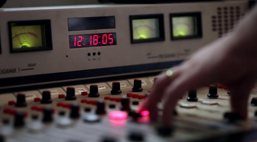 Radio Oriental tiene el transmisor más potente del país.