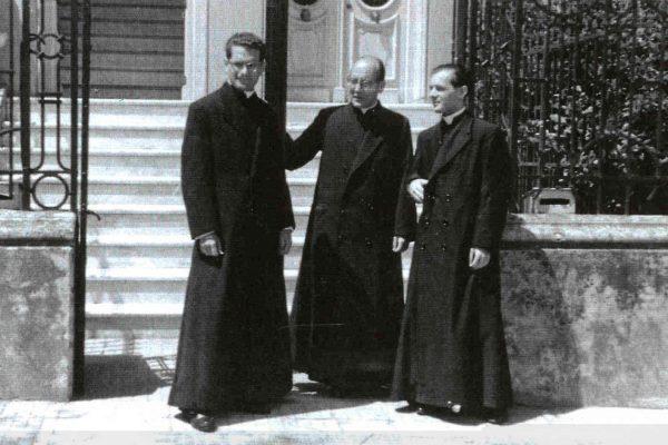 El P. Gonzalo Bueno, P. Ricardo Fernández Vallestín y P. Agustín Falceto / Fuente: Opus Dei Uruguay