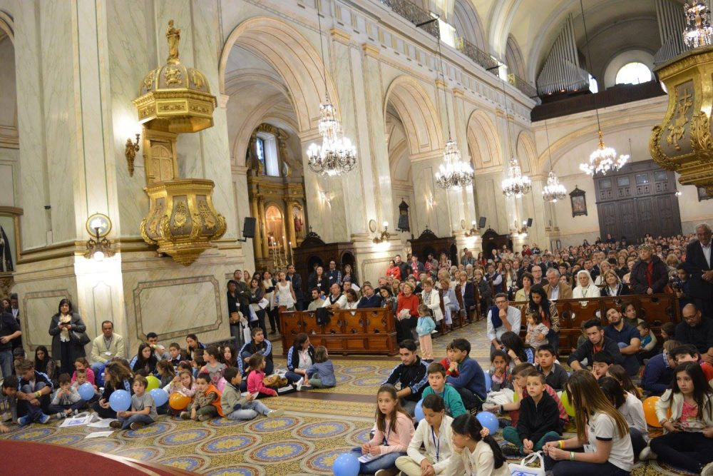 La Catedral estaba colmada para la Misa del IV Congreso Nacional de la Familia / Fuente Clara Planelles - Arquidiócesis de Montevideo