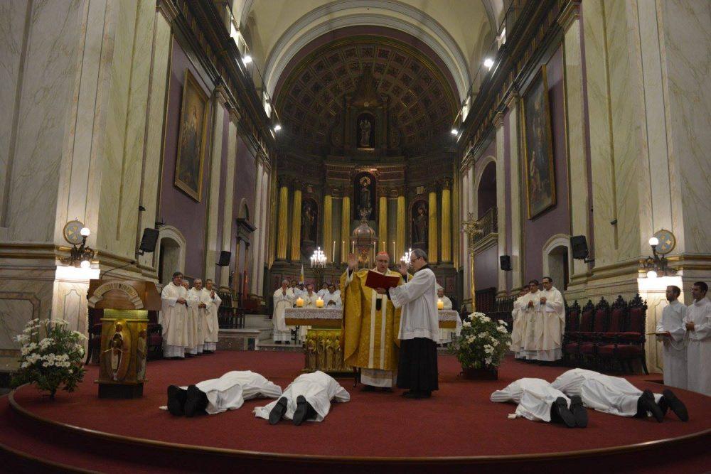 Ordenación de nuevos diáconos / Foto: Clara Planelles - Arquidiócesis de Montevideo