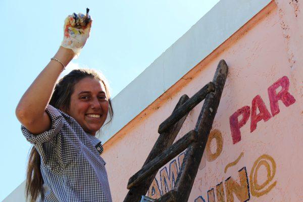Josefina Antoniol en un CAIF en Tacuarembó /Residencia Del Mar