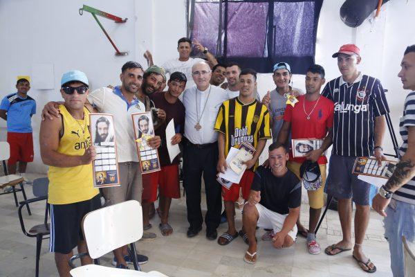 El Cardenal Sturla en la cárcel de Punta de Rieles / Fuente: ICMtv