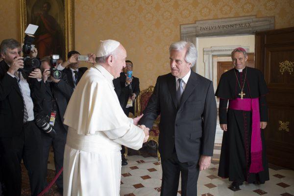 El Papa Francisco recibe al Presidente Vázquez en la audiencia de esta mañana /Fuente: Osservatore Romano