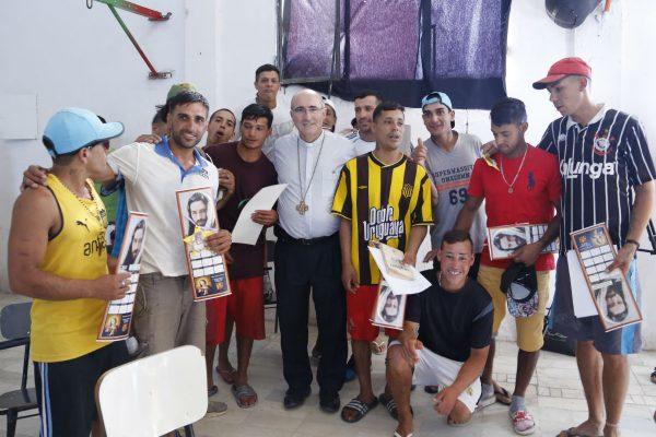 El Cardenal Sturla en la cárcel de Punta de Rieles tras la Misa de Navidad