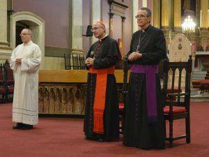 El Card. Sturla y Mons. Pollesel en Catedral metropolitana /C. Bellocq