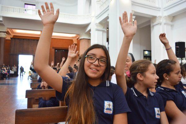 Escolares en la Misa de inicio de cursos / Fuente: Federico Gutiérrez DECOS Montevideo