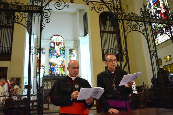 El Cardenal Daniel Sturla y  el Obispo anglicano, Michele Polesell / Fuente: Decos Montevideo