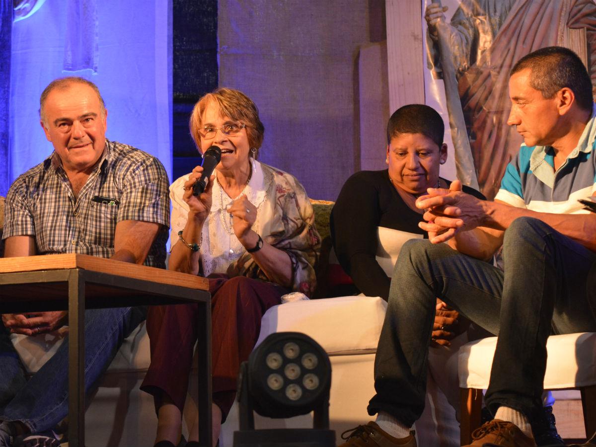 Pico Méndez, Angélica Ferreira, Rosario Chávez y Jorge Álvez en la Fiesta San Felipe y Santiago /C. Planelles