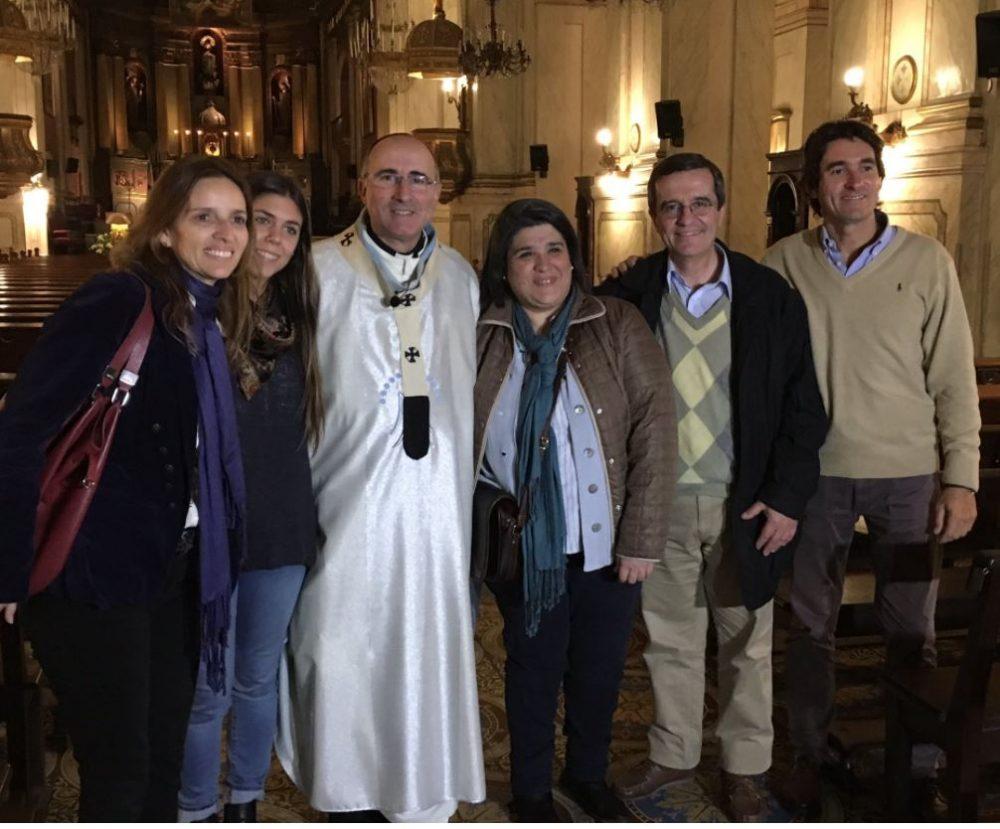 El Cardenal Daniel Sturla, con los encargados de la Palabra en vos /Fuente: Twitter del cardenal Sturla