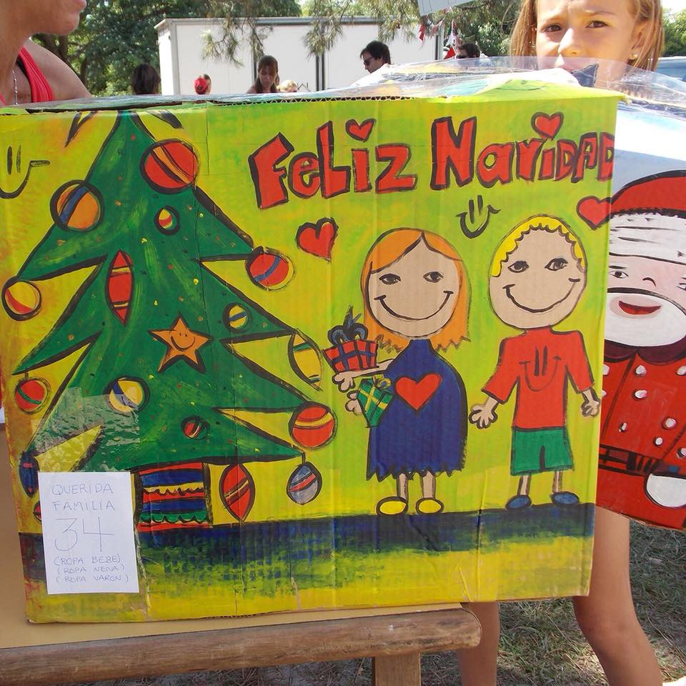 Una de las cajas entregadas la pasada Navidad /FB. Nochebuena Para Todos