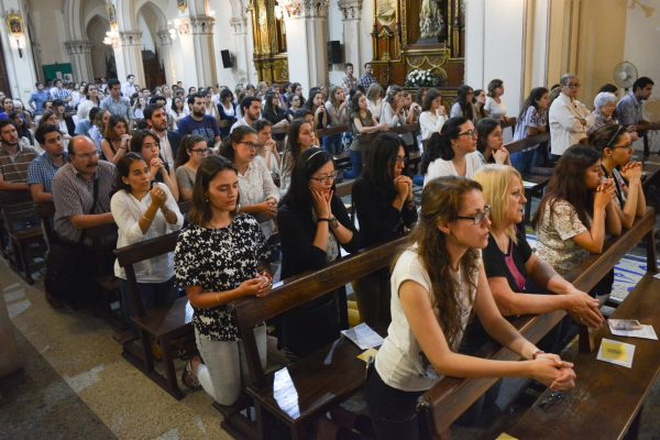 Misa para universitarios / Fuente: Federico Gutiérrez