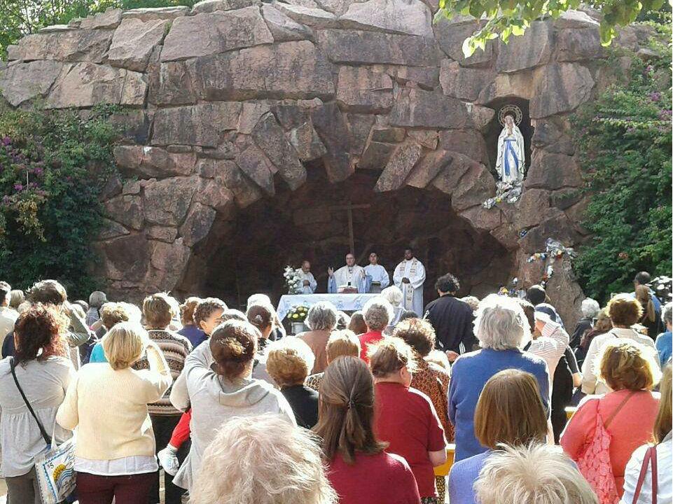 El Card. Daniel Sturla presidió la Misa de las 17 hs /Fb:Santuario Nacional de Nuestra Señora de Lourdes