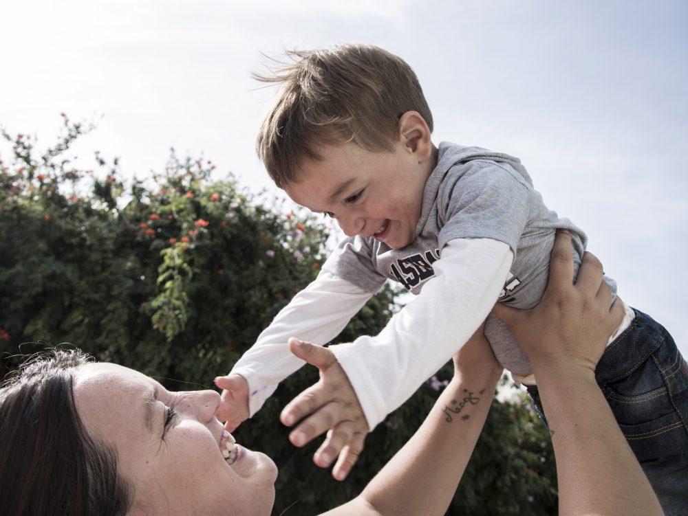 Madre con su hijo / Fuente: Ceprodih