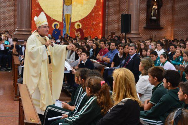 El cardenal Sturla durante la homilía/ Fuente: Decos Montevideo