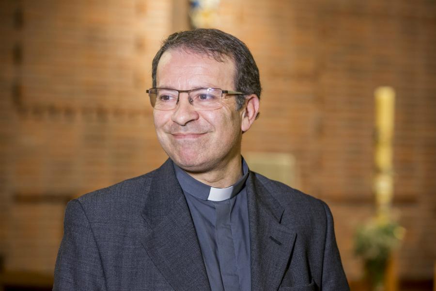 El Padre Luis Eduardo González tiene 46 años de edad /G. De Luca