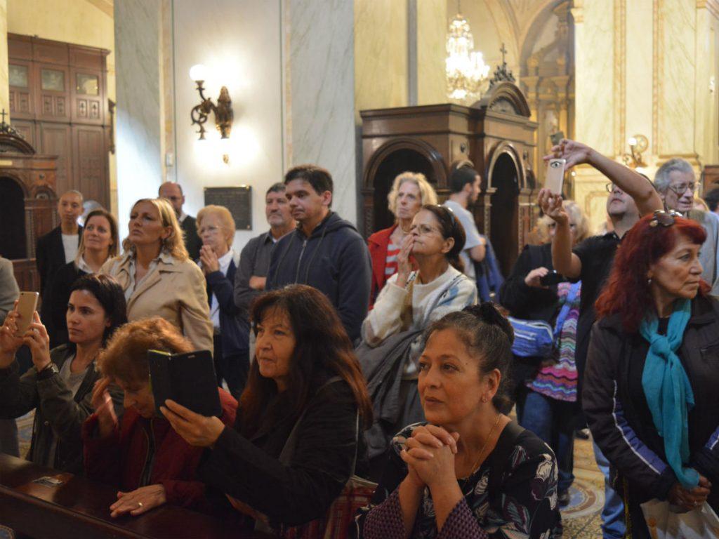 Los fieles ya pueden venerar los restos de los patronos de Montevideo /C. Bellocq