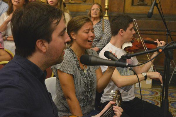 Cantantes de varios coros participaron en las grabaciones /C. Planelles