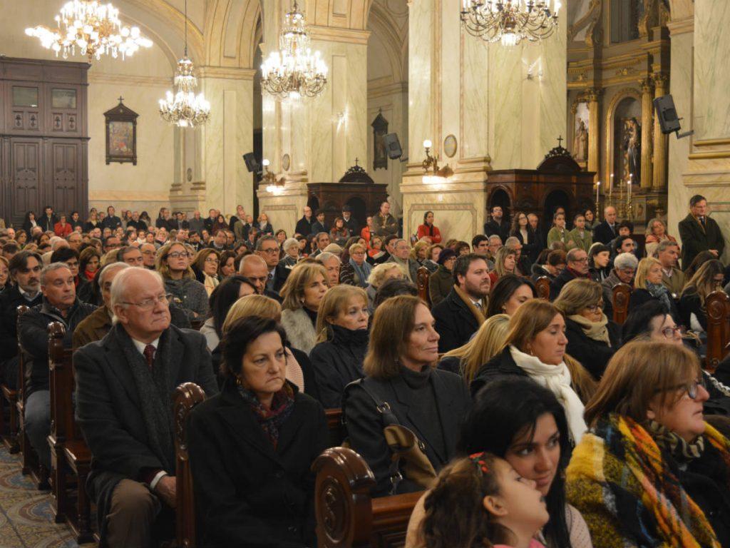 La Catedral estaba colmada de gente /C. Bellocq