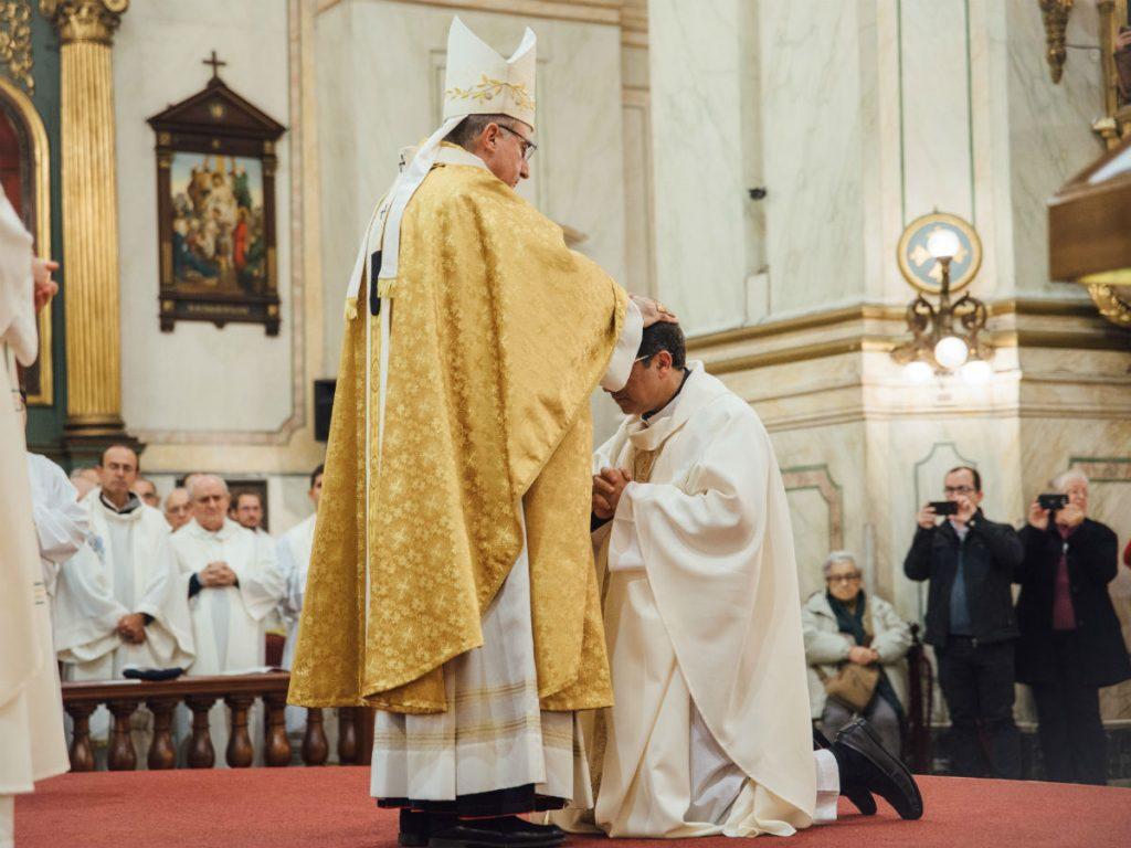 Durante la plegaria de ordenación /M. Freire