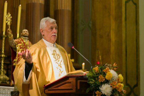 Misa en la Parroquia Sagrado Corazón/ Fuente: Alberto Pígola para Jesuitas en Argentina y Uruguay