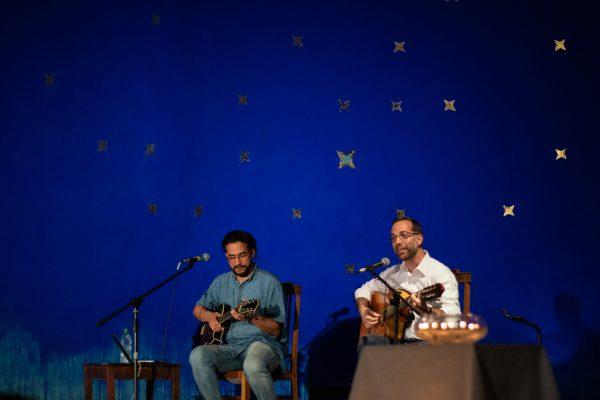 C. Fones durante la oración cantada en la UCU/ Fuente: Agustín González - Decos Montevideo
