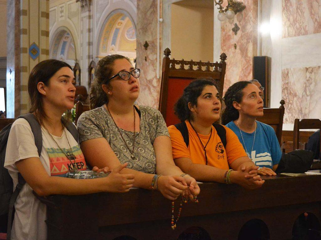 Sofía Azzola (segunda desde la izquierda) con otras religiosas y una formadora de las Esclavas del Sagrado Corazón. /C. Bellocq