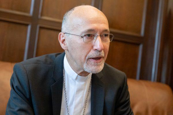 Mons. Krebs durante la entrevista realizada por Entre todos/ Fuente: Federico Gutiérrez