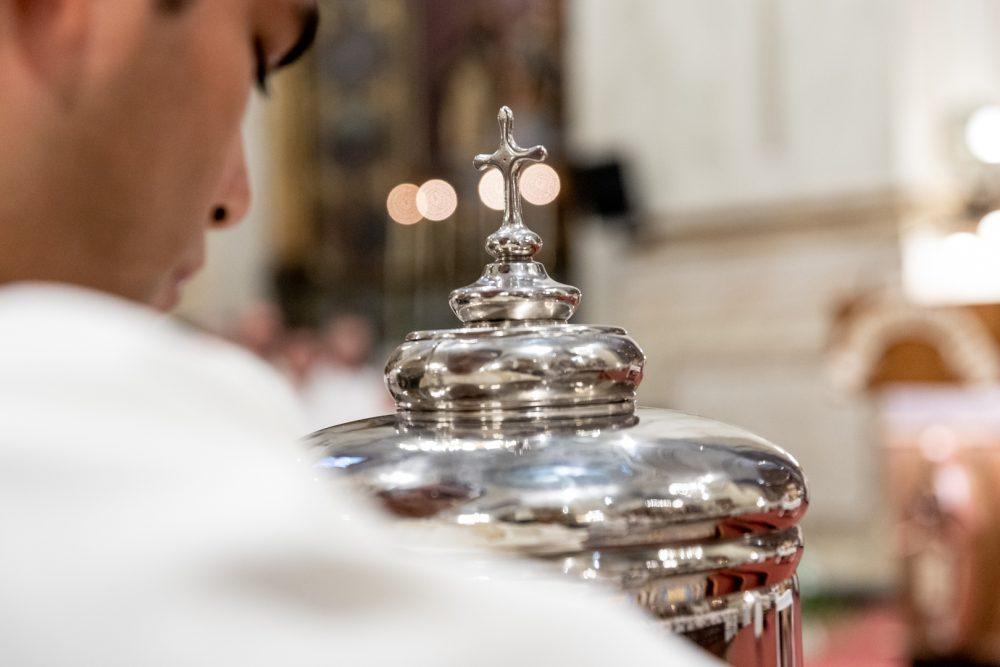 Consagración de los santos óleos durante la Misa Crismal/ Fuente: Federico Gutiérrez