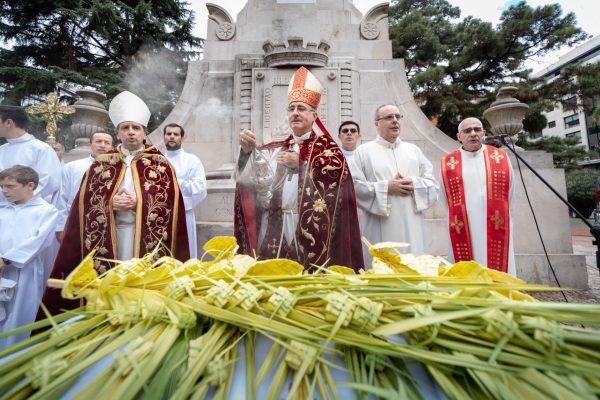 Bendición durante el Domingo de Ramos en la Ciudad Vieja/ Fuente: Federico Gutiérrez