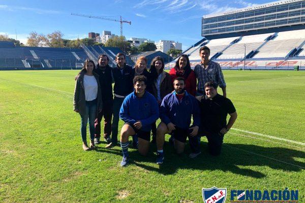 Integrantes de la Fundación Club Nacional de Football y Movimiento Luceros en el Gran Parque Central/ Fuente: Fundación Club Nacional de Football