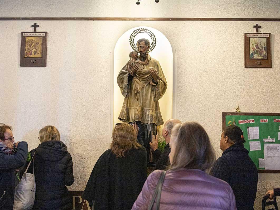 Durante todo el día los peregrinos se acercaron a San Cayetano /F. GUTIÉRREZ