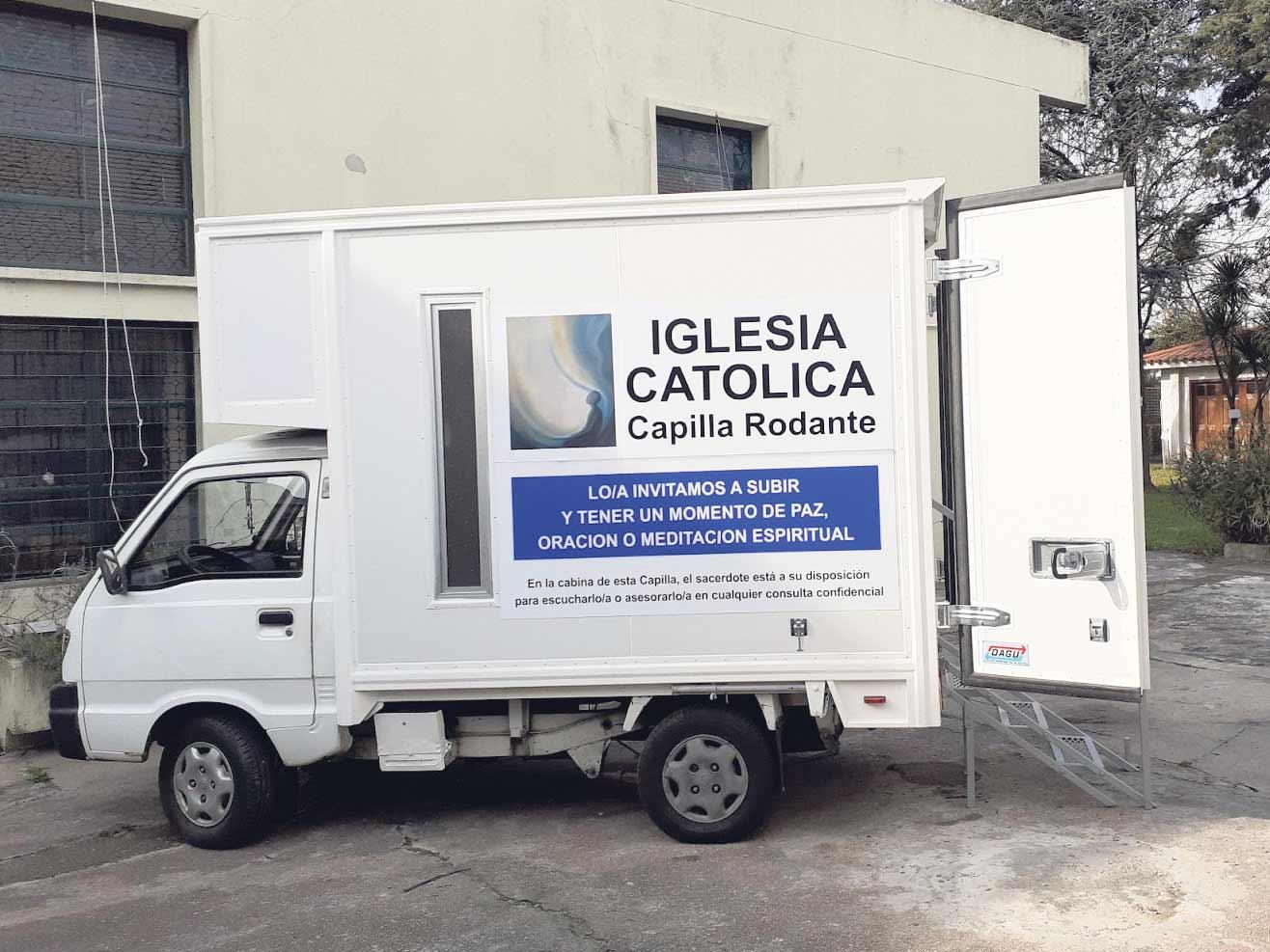 El sacerdote estará disponible en la cabina del conductor. / P. SANTA BERNARDITA