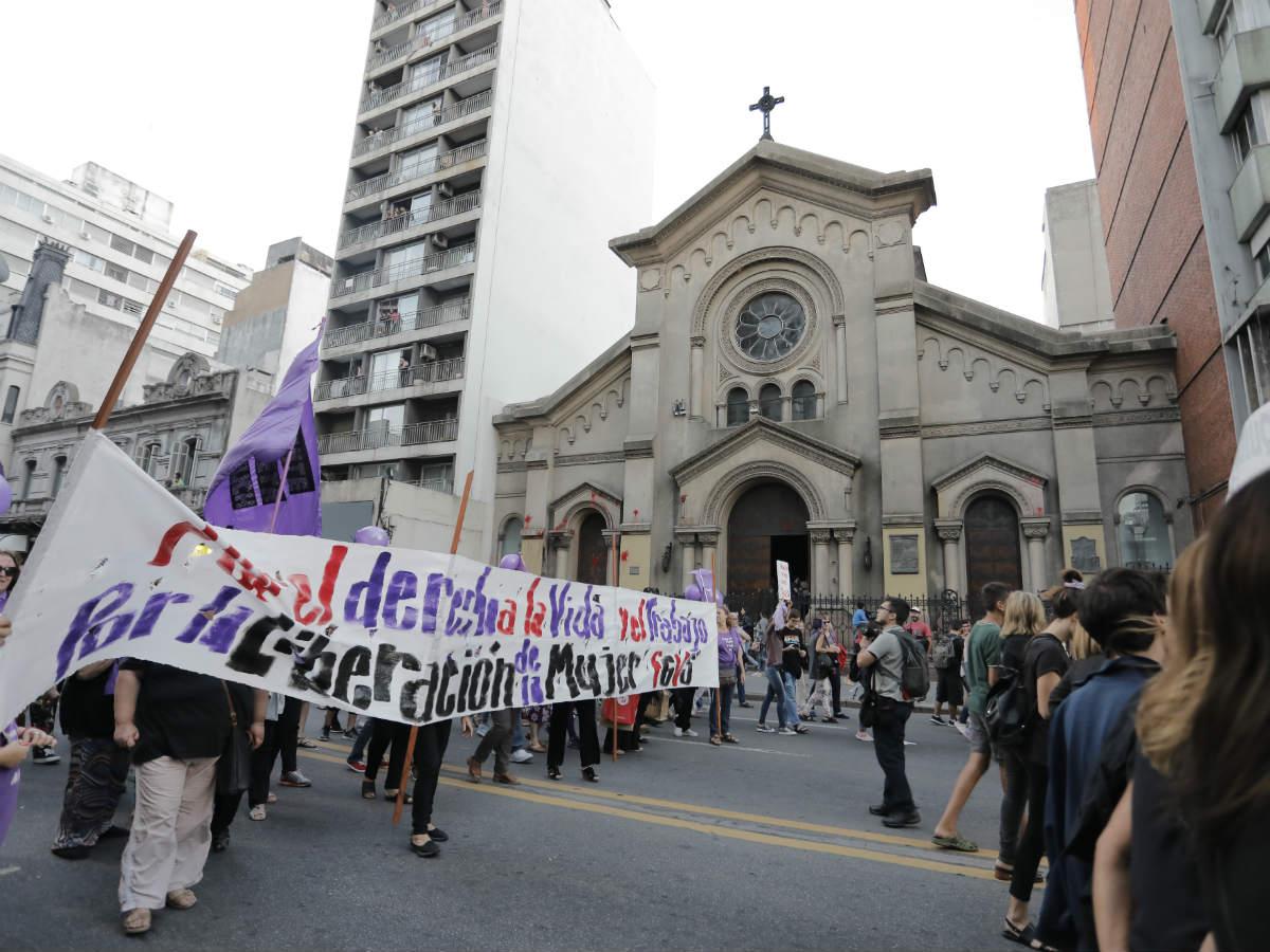 Resultado de imagen para imagenes de los miedos en la iglesia a defender los derechos humanos